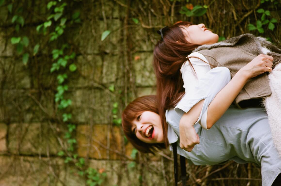Tuổi 25 tự vỗ về và tự yêu thương… đừng giữ mãi những mối tình nhạt